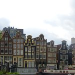 Love this traditional Dutch architecture!
