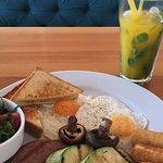 Очень сытный завтрак;)
