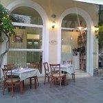 rosmarino-restaurant_large.jpg