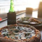 Pizza & Bintang