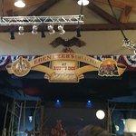 Foto Ebenezer's Barn & Grill