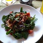 Monti e Mare Salat, mit Scampi und Pfifferlinge