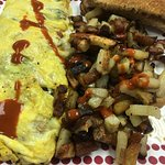 Veggie Omelet with Breakfast Potatoes and Toast