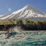 Los maravillosos paisajes del poderoso rio Petrohue
