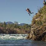 Un salto ¿porque no? ven a disfrutar de nuestro salto de aprox 7 mts.