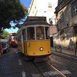 Foto van Tram 28