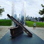 Empty Sky - 9/11 Memorial의 사진