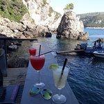 Foto de La Grotta Beach Bar