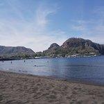 Photo de Spiaggia Nera