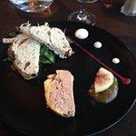 Foie gras avec pain aux figues