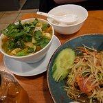 padthai, sotam, thomyamkung thomkagai den haag centrum pas Ruenthai Takeaway restaurant
