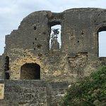 Foto Castle Ruins & Velvet Cave