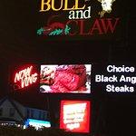 صورة فوتوغرافية لـ Bull And Claw