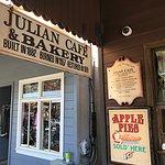 Julian Cafe & Bakeryの写真