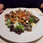 Salat mit Entenstreifen