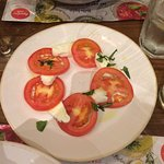 Terrible caprese salad for £5.89 - NO THANKS!