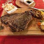 Carnivore Steakhouse Foto