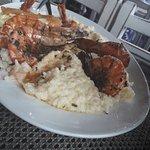 Risoto de camarão, camarão a grega, moqueca de camarão.