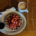 Macy's Fresh Roasted Coffee의 사진