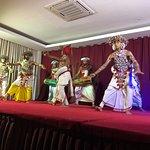 صورة فوتوغرافية لـ Kandyan Dance Performance