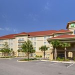 Holiday Inn Express Tampa North - Telecom Park