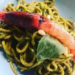 Tagliolini con pesto home made e crudo di gambero rosso di sicilia. Buon Appetito 😍 by @chef_ca