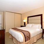 阿尔伯特湾套房酒店
