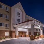 Candlewood Suites Topeka West