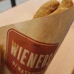 صورة فوتوغرافية لـ Wieners of Waterton