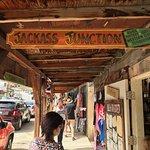Boutique Shops & Antique Stores