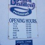 ภาพถ่ายของ Moss Beach Distillery Restaurant