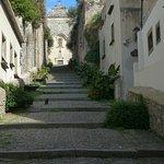 Escalier monumental vers la cathédrale