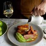 Smoked pork belly with apple