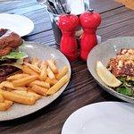 Foto de Bella Cafe Restaurant & Pizza Bar