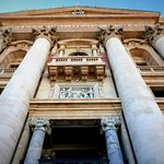 St Peters (Papal Balcony)
