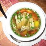Zuppa di pasta ripiena