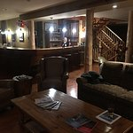 Bar/livingroom area