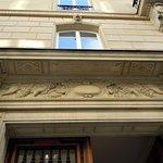 Bas-relief au 30 rue Galilée