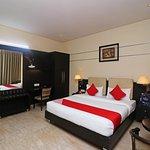 OYO 13236 Hotel W Castle