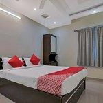 OYO 12181 Hotel Gravity