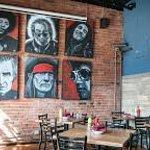 Foto Attic Bar & Bistro