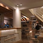 Φωτογραφία: Vinsanto Wine Bar - restaurant
