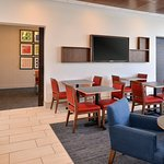Holiday Inn Express & Suites Farmington Hills - Detroit