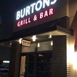 Foto de Burtons Grill & Bar