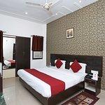 OYO 2862 Hotel Kanha Continental