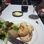 Foto de Poolside Restaurant at the Empire
