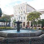 Plaza Abdon Calderon resmi