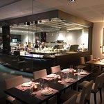 Фотография Tahini Sushi Bar & Restaurant