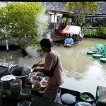 ภาพถ่ายของ ตลาดน้ำหมู่บ้านปางช้างอโยธยา