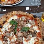 Pizza con fungi